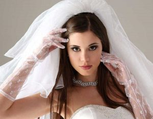 بنات شاهده تسوي مكياج العروس ب6000 ريال منصدمه